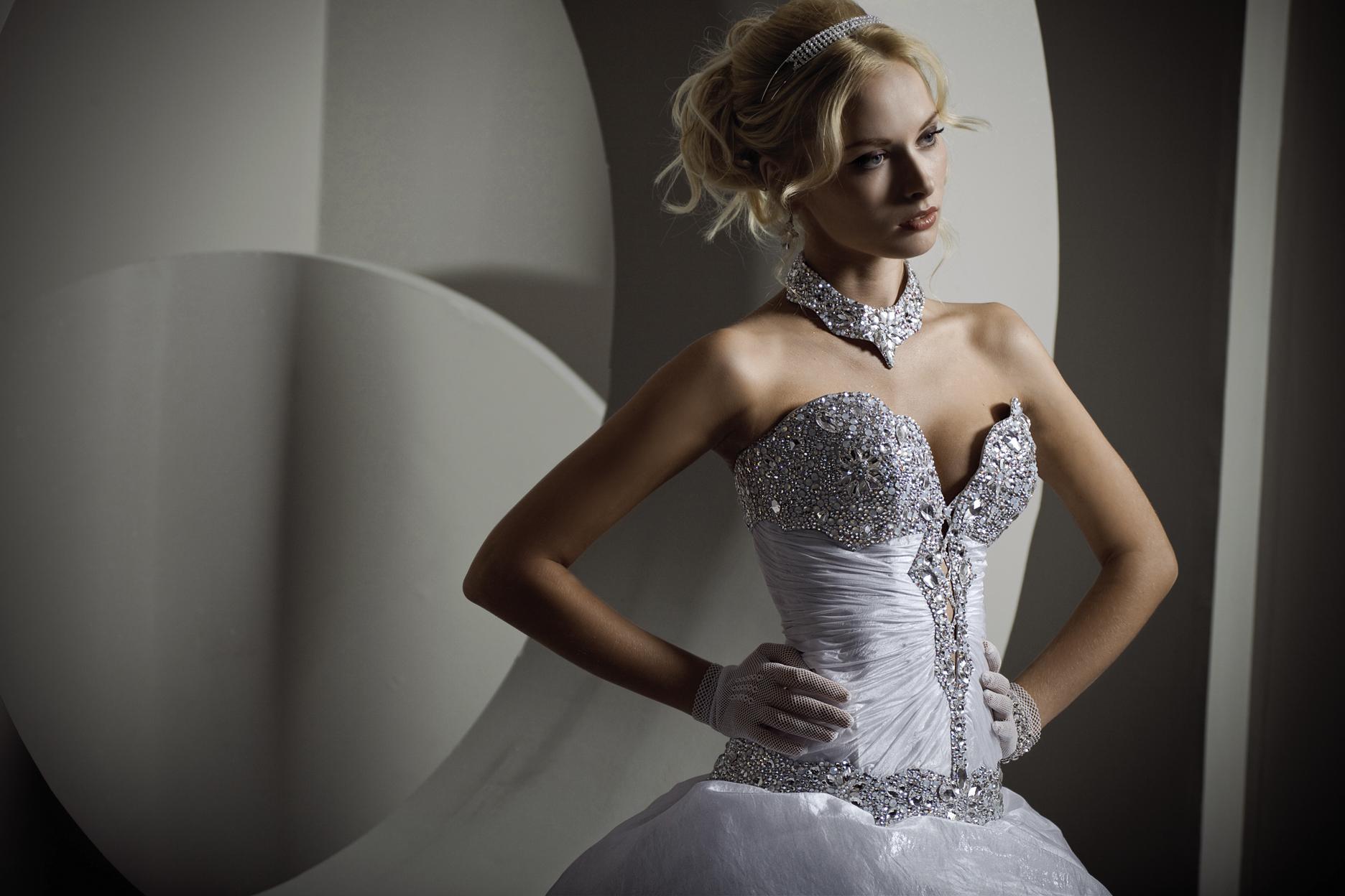 Корсеты к свадебному платью