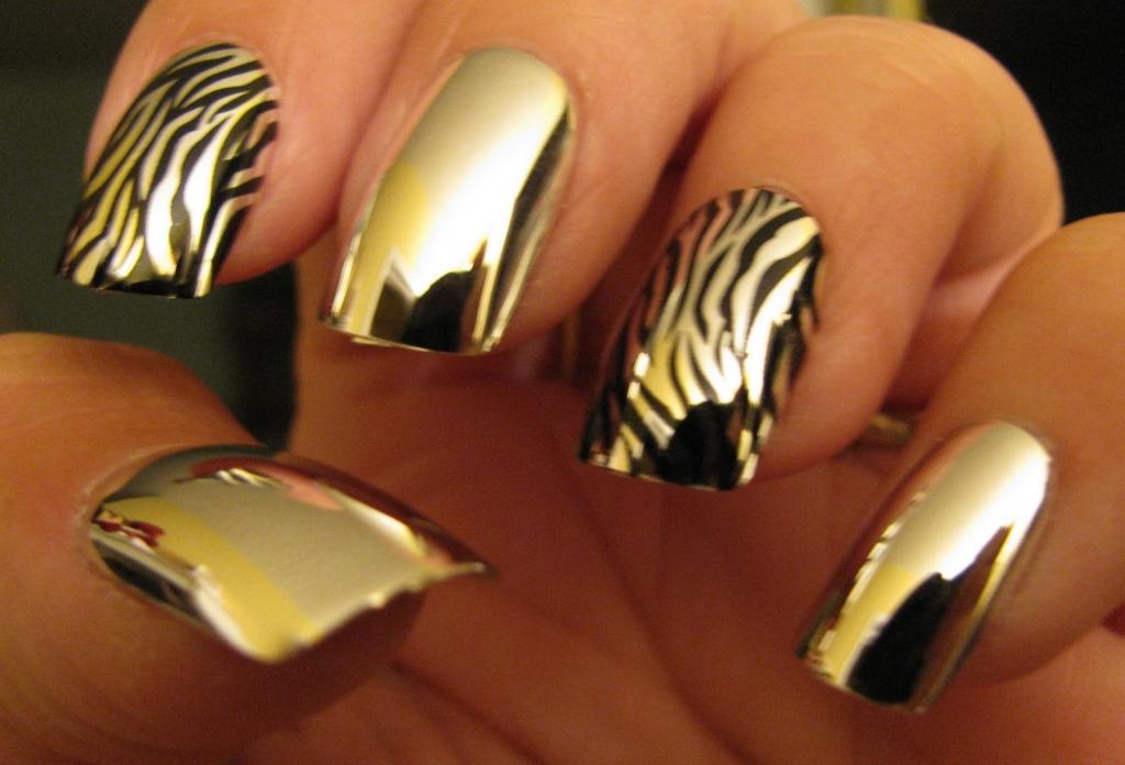 Нарощенные ногти зеркальные дизайн