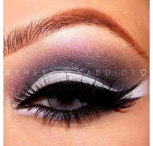 Фото макияжа со стрелками для серых глаз