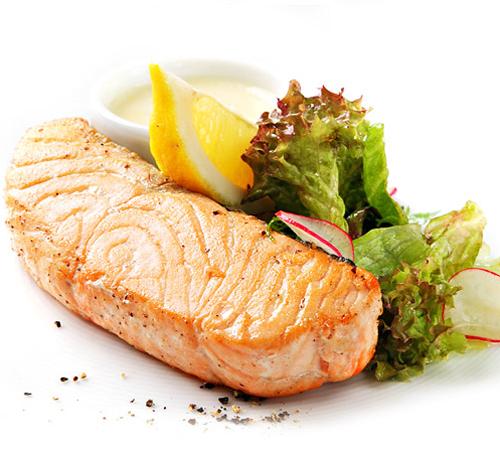Филе лосося на морской соли