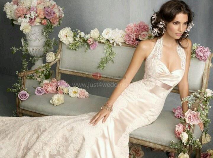 Платье на свадьбу для Козерога