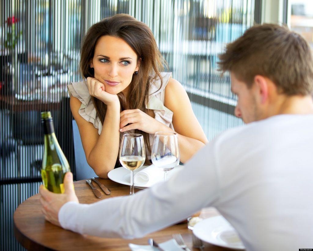 Почему мужчина молчит на свидании?