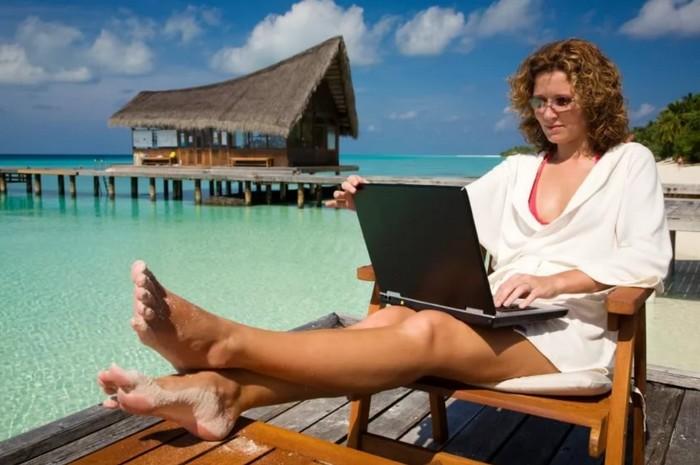 Как зарабатывать в интернете на своём сайте женщине
