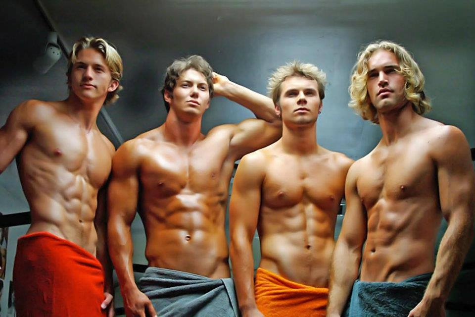Сексуальные мужчины пловцы