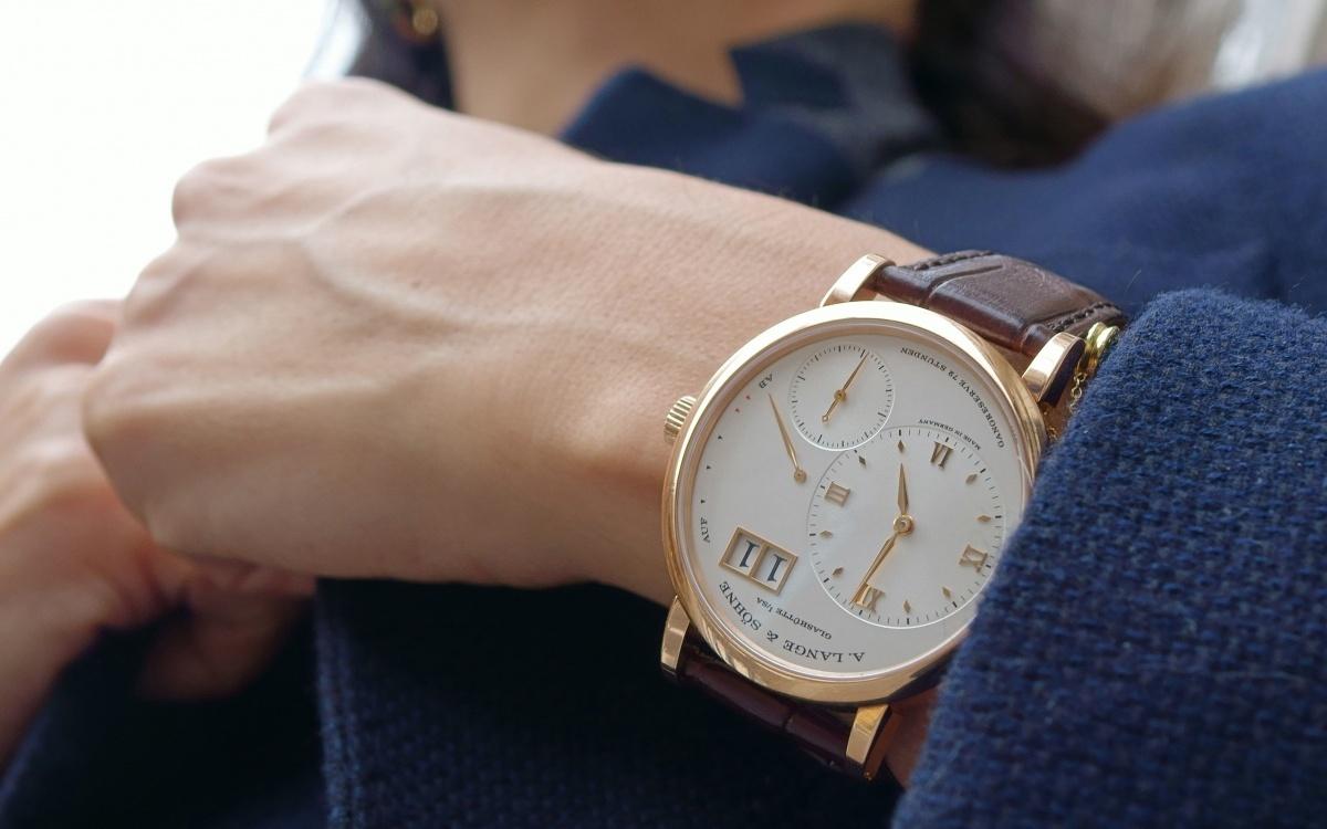 Модные наручные часы унисекс женские мужские этого сезона