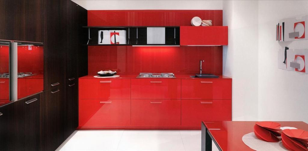 Кухня в красном