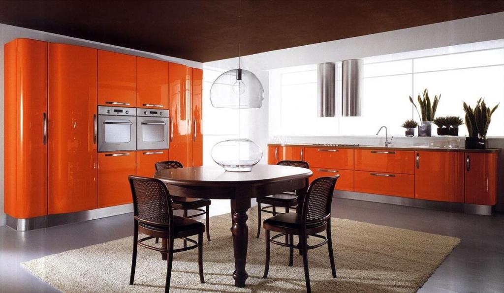 Кухня в оранжевом