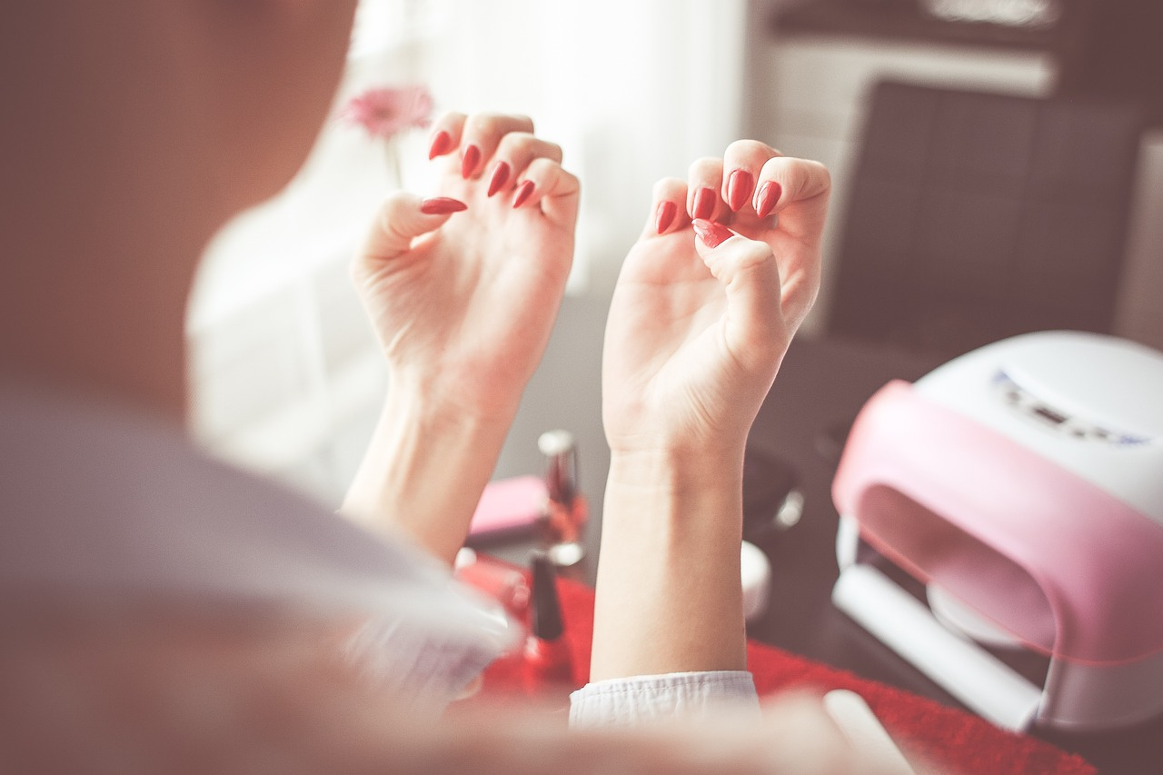 Миндалевидная форма ногтей в 2016 году