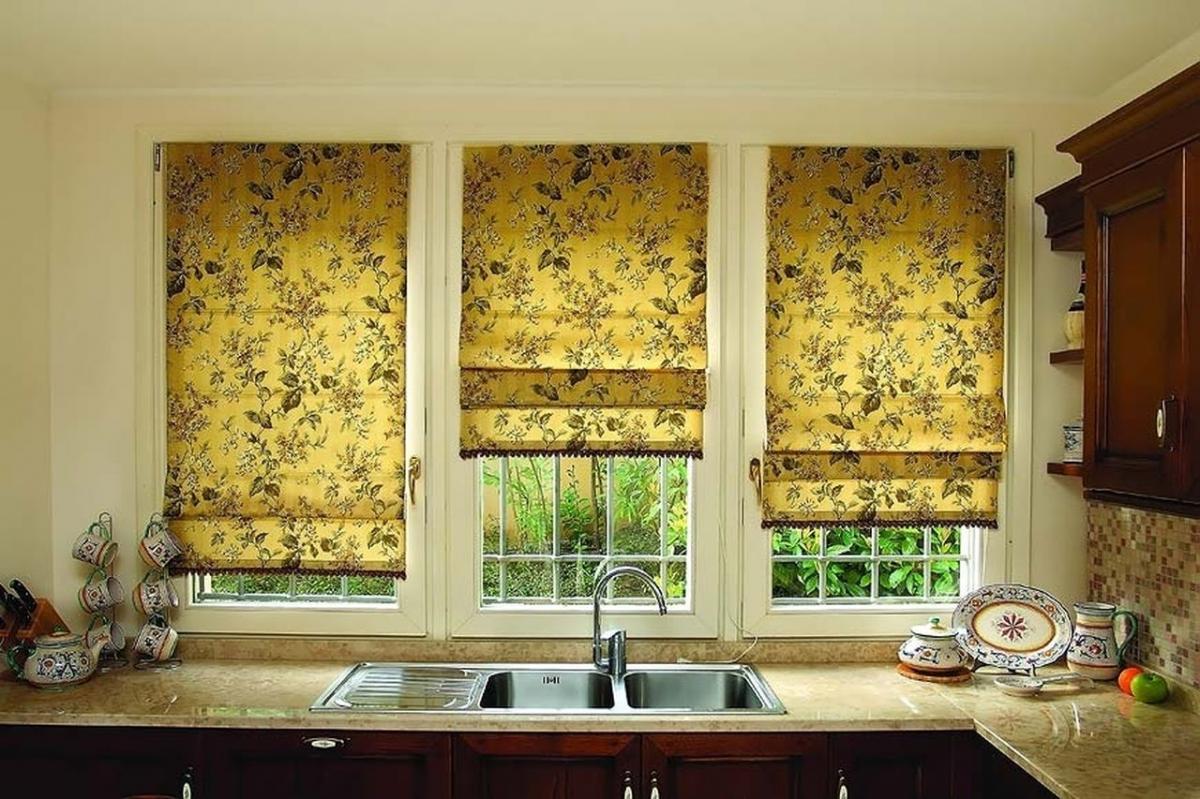 Римские шторы на кухню в 2016 году