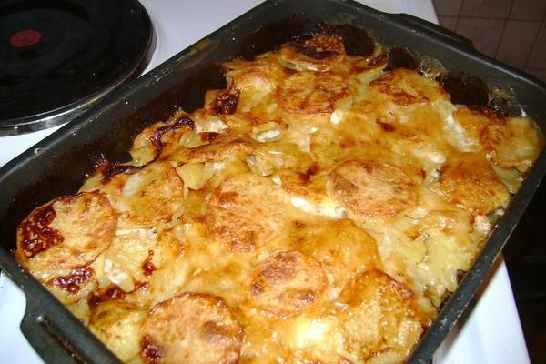Запеченный картофель с куриным филе